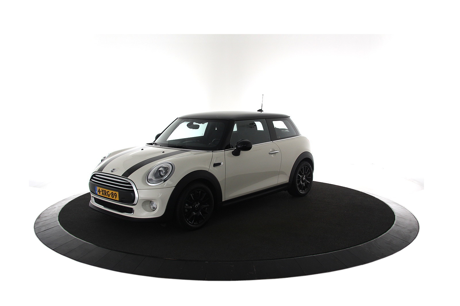 MINI Mini 1.5 Cooper First Born Edition