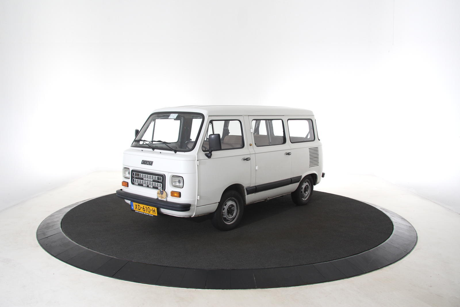 Fiat 900E PANORAMA 7 Persoons
